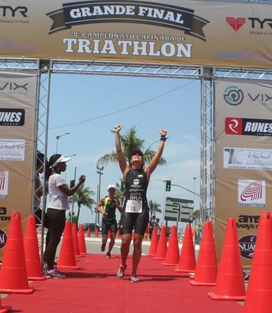 Escrivã de Polícia Civil é Campeã na Grande Final do Campeonato Capixaba de Triathlon 2015