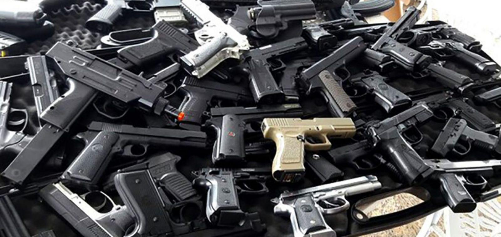 Armas apreendidas e sua destinação é tema de reunião entre diretoria da Aepes e Delegado Geral